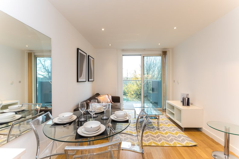 1 bedroom(s) apartment to sale in Riverside Apartments, Goodchild Road, Woodberry Down, Manor House-image 1