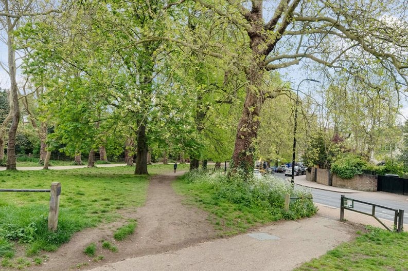1 bedroom(s) apartment to sale in South End Road, Hampstead, London-image 13