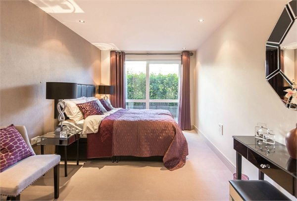 2 bedroom(s) apartment to sale in Doulton House, Chelsea Creek, Park Street, Fulham-image 8