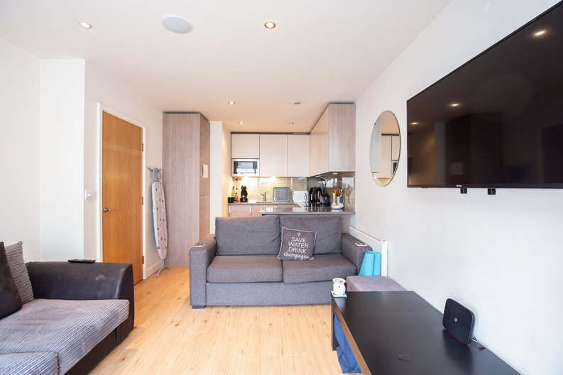 1 bedroom(s) apartment to sale in Croft House, 21 Heritage Avenue, Beaufort Park , Colindale-image 1