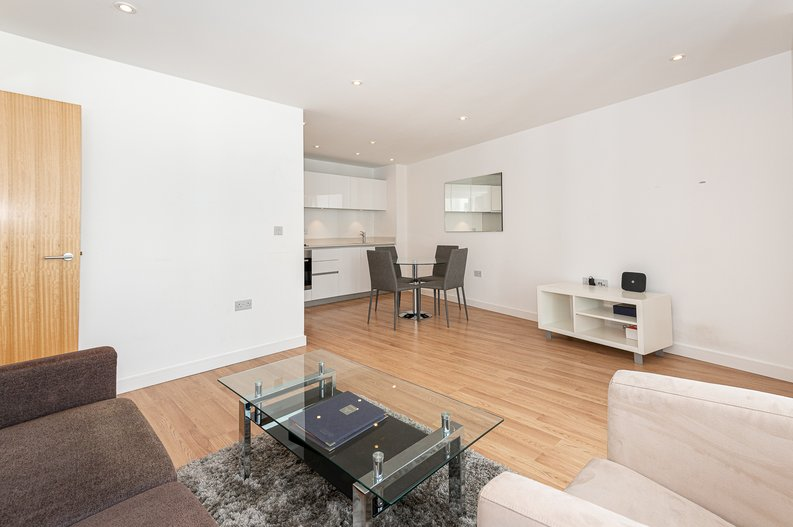 1 bedroom(s) apartment to sale in Waterside Apartments, Goodchild Road, London-image 8
