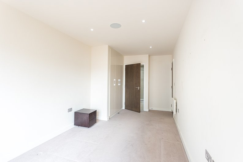 2 bedroom(s) apartment to sale in 22 Aerodrome Road, Beaufort Park-image 11