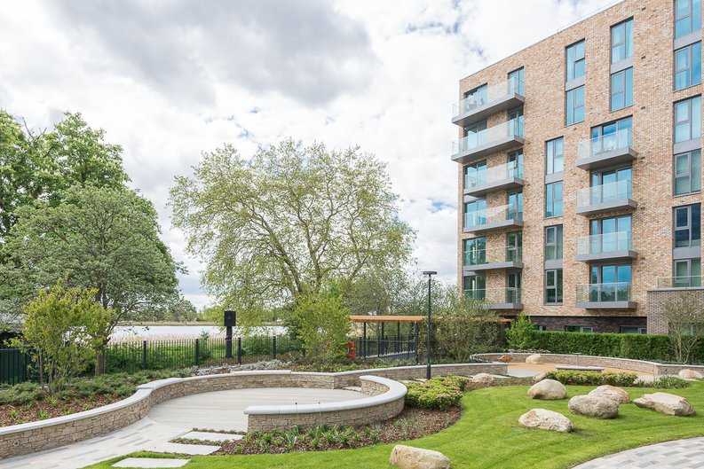 1 bedroom(s) apartment to sale in Woodberry Down, Phase 2, Block B, Woodberry Down, Finsbury Park-image 2