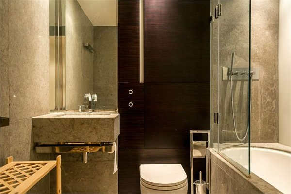 2 bedroom(s) apartment to sale in 1 Pan Peninsula Square, West Tower, Canary Wharf , London-image 3