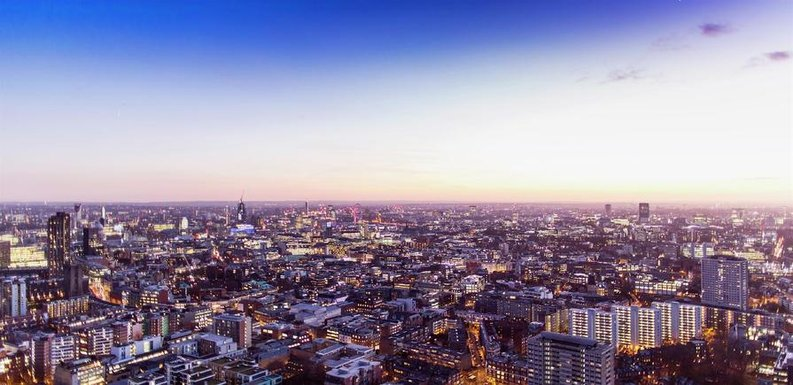 2 bedroom(s) to sale in Carrara Tower, 250 City Road, Islington, London-image 3