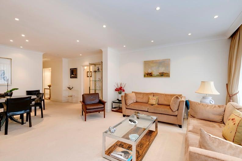 2 bedroom(s) apartment to sale in Broadlands Lodge, Broadlands Road, Highgate, London-image 6