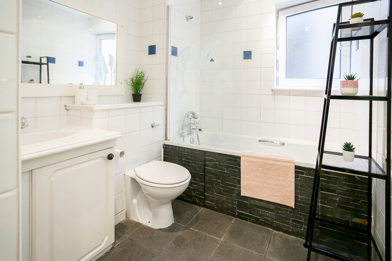 2 bedroom(s) apartment to sale in Scotts Sufferance Wharf, 5 Mill Street, Bermondsey-image 9