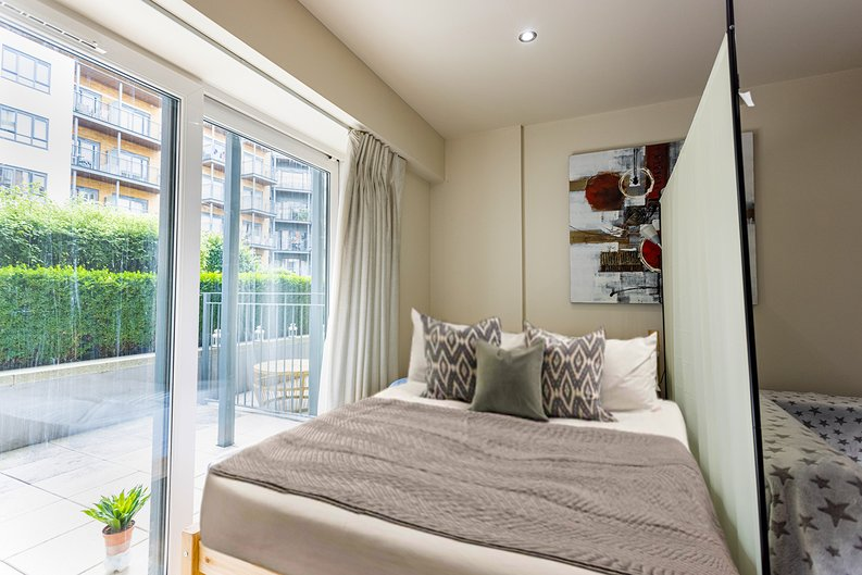 Studio apartment to sale in Boulevard Drive, Colindale, London-image 3