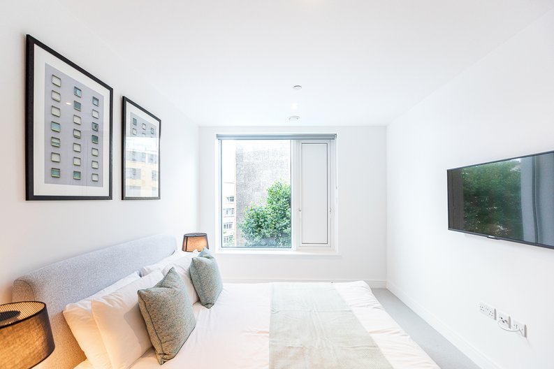 2 bedroom(s) apartment to sale in Marquis House, Sovereign Court, Hammersmith-image 13