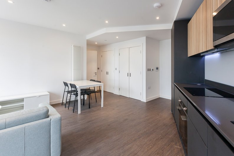 1 bedroom(s) apartment to sale in Royal Dock West, 12 Western Gateway, London-image 6