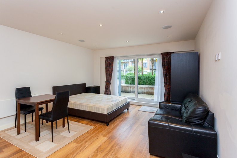 1 bedroom(s) apartment to sale in Curtiss House, Heritage Avenue, Beaufort Park, Colindale-image 5