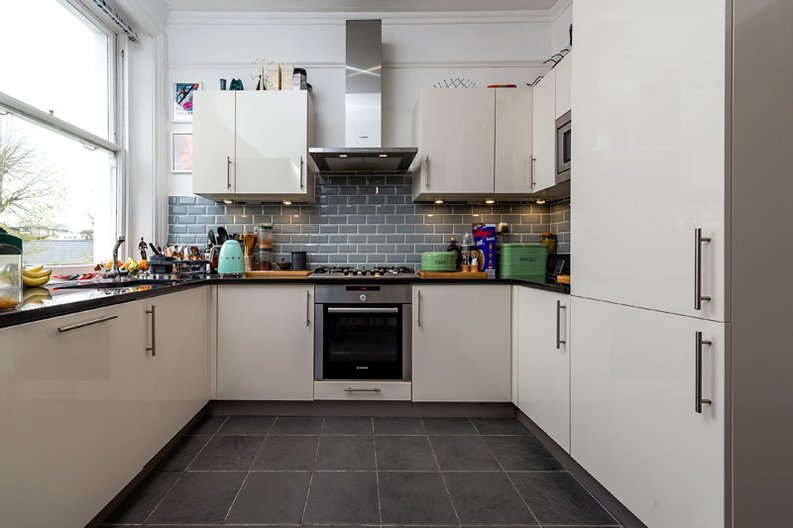 3 bedroom(s) apartment to sale in Hampstead Lane, Highgate-image 14