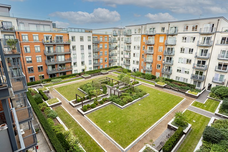 Studio apartment to sale in East Drive, Colindale, London-image 11