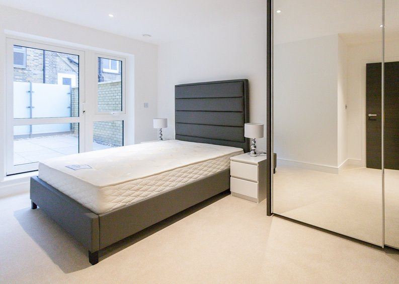 1 bedroom(s) apartment to sale in Quartz House, Dickens Yard, 12 New Broadway, London-image 5