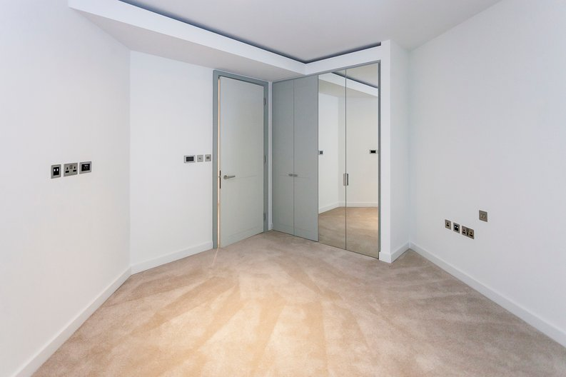 1 bedroom(s) apartment to sale in The Westmark, West End Gate, Paddington-image 9
