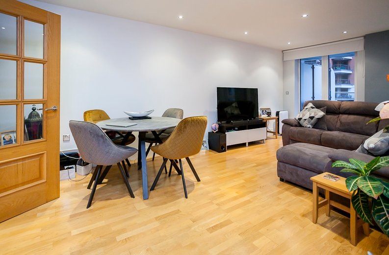 2 bedroom(s) apartment to sale in Chelsea Vista, The Boulevard, Imperial Wharf, Fulham-image 2