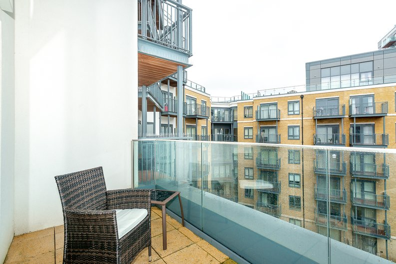 3 bedroom(s) apartment to sale in Chapman House, 24 Aerodrome Road, Beaufort Park , London-image 11