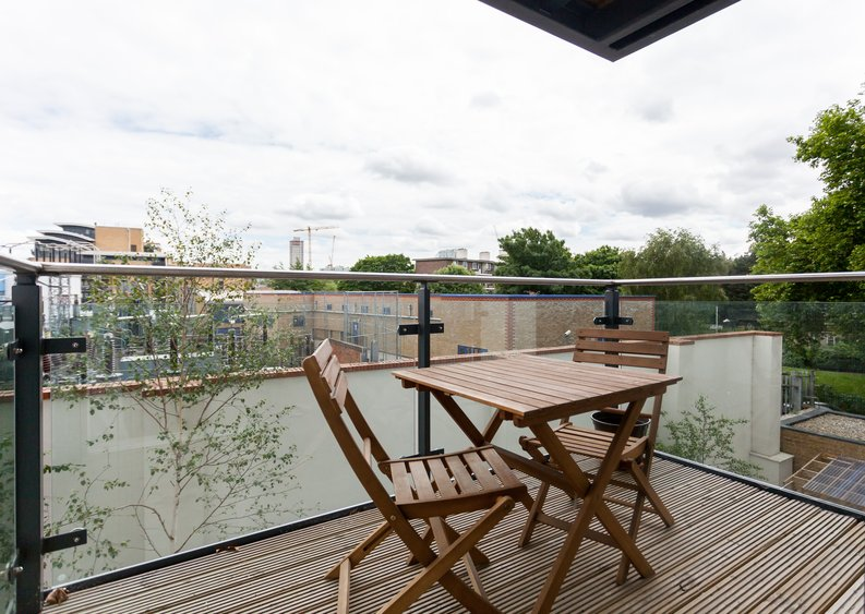 1 bedroom(s) apartment to sale in Cornmill House, Wharf Street, Deptford-image 3