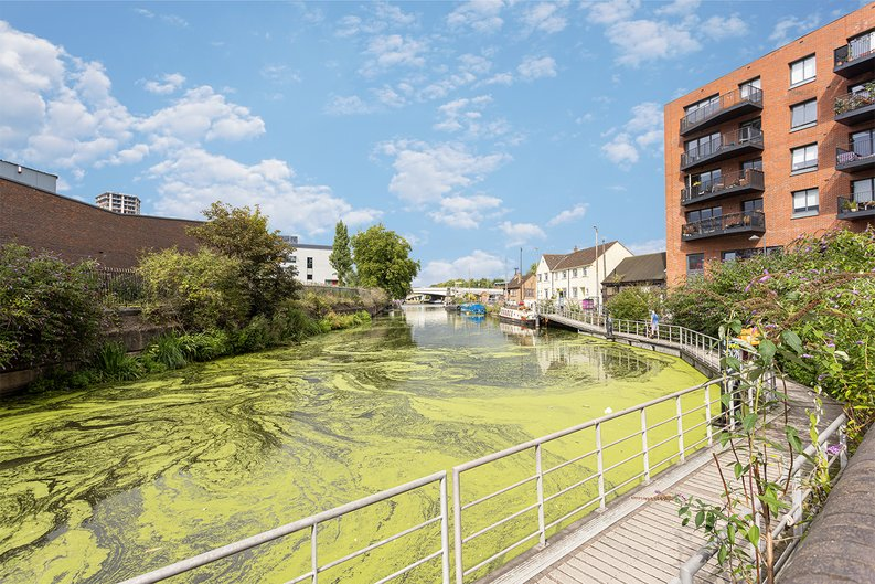 2 bedroom(s) apartment to sale in Gillender Street, Bow Creek-image 8