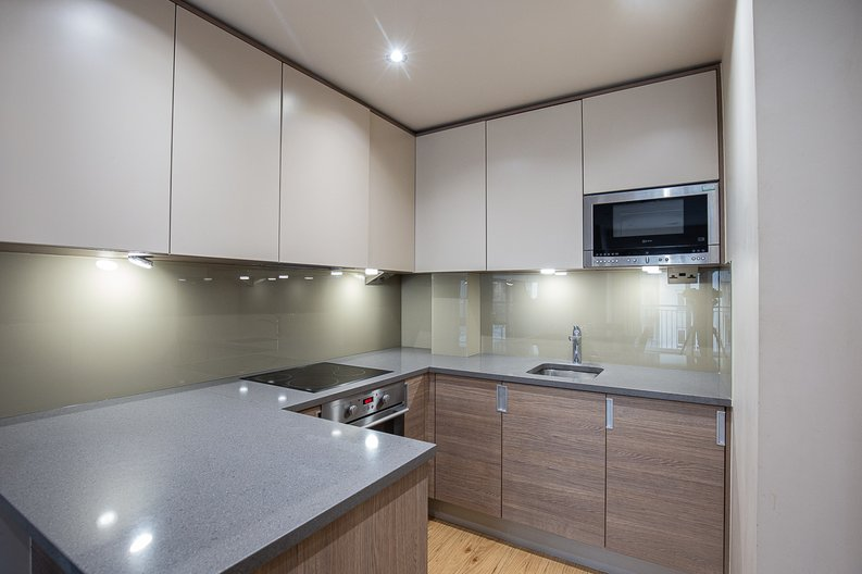 1 bedroom(s) apartment to sale in 27 Heritage Avenue, London-image 3
