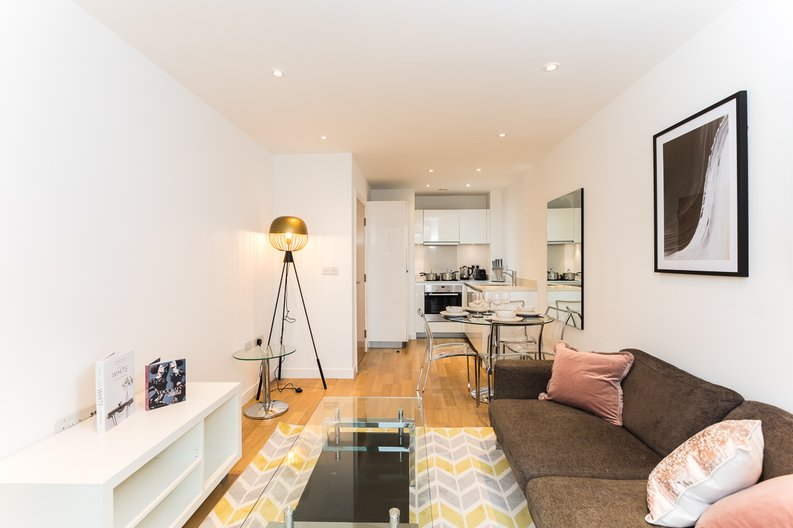1 bedroom(s) apartment to sale in Riverside Apartments, Goodchild Road, Woodberry Down, Manor House-image 7