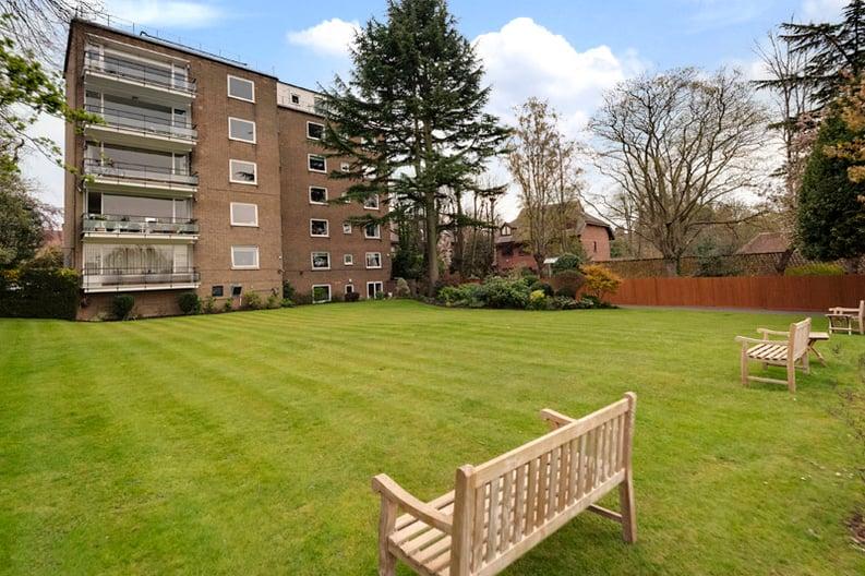 2 bedroom(s) apartment to sale in Broadlands Lodge, Broadlands Road, Highgate, London-image 12