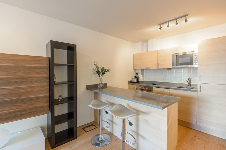 1 bedroom(s) to sale in Boulevard Drive, London-image 2
