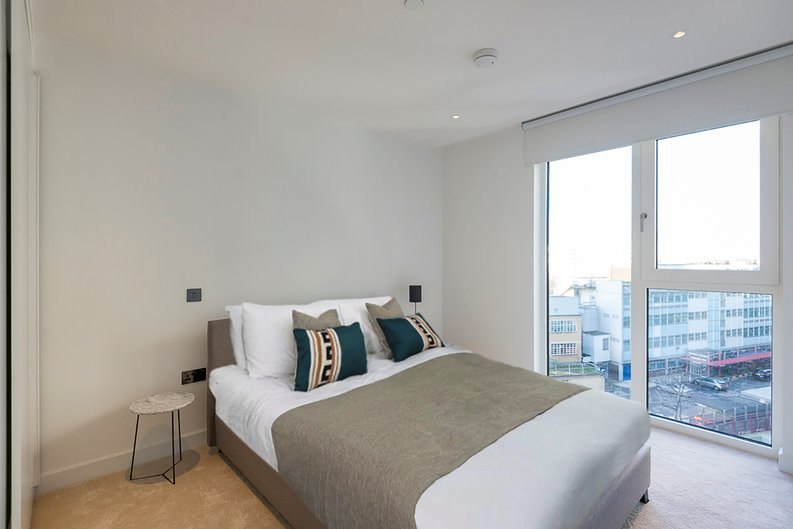 2 bedroom(s) apartment to sale in Fountain Park Way, White City, London-image 12