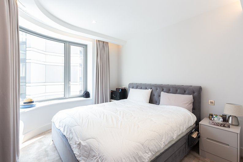 3 bedroom(s) apartment to sale in The Corniche, Albert Embankment, Vauxhall-image 5