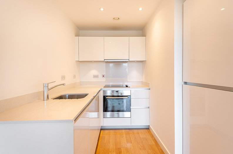1 bedroom(s) apartment to sale in Goodchild Road, Woodbury Down, London-image 3