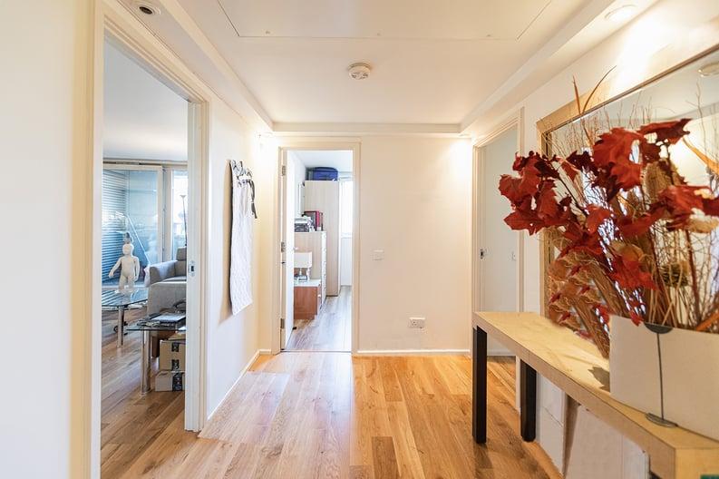 2 bedroom(s) apartment to sale in Westminster Bridge Road, Lambeth, London-image 12