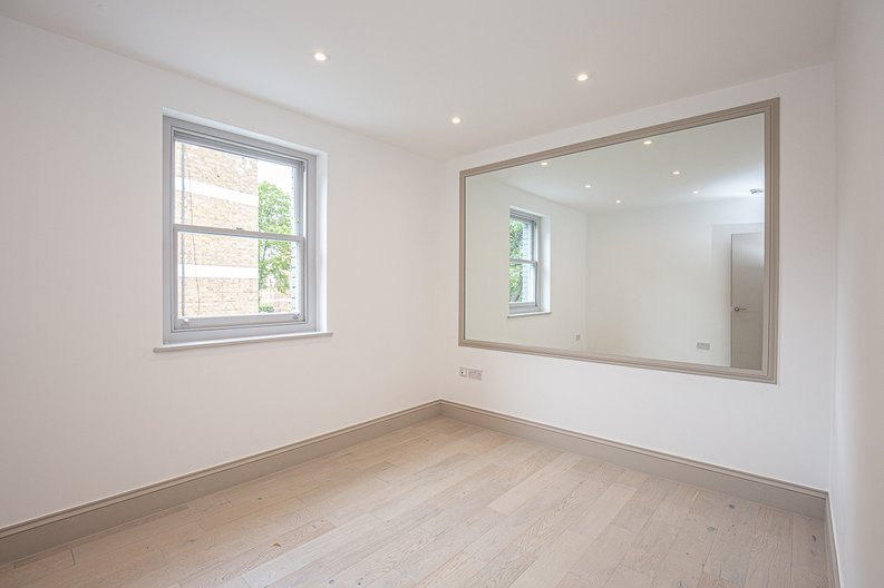 1 bedroom(s) apartment to sale in Montpelier Road, Ealing-image 6