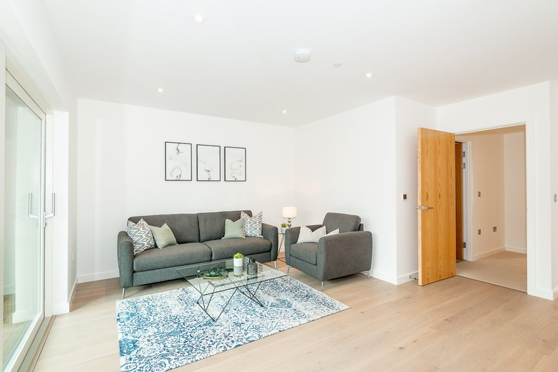 2 bedroom(s) apartment to sale in Thonrey Close, Colindale Gardens, Colindale-image 3