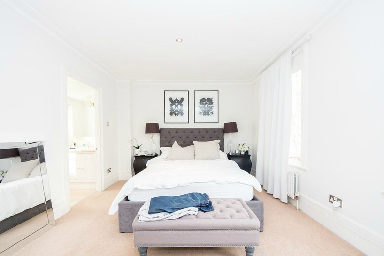 3 bedroom(s) house to sale in Trident Place, Old Church Street, Chelsea, London-image 5