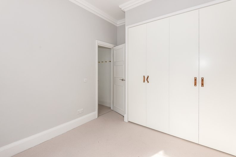 2 bedroom(s) apartment to sale in Eldon Grove, Hampstead, London-image 6