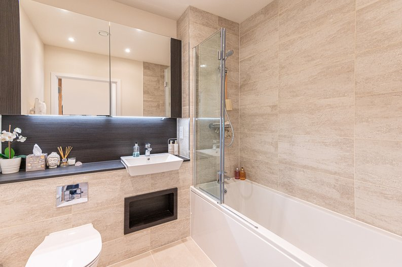 1 bedroom(s) apartment to sale in Yarrow Apartments, 82 Bittacy Hill, Millbrook Park, Mill Hill, London-image 3