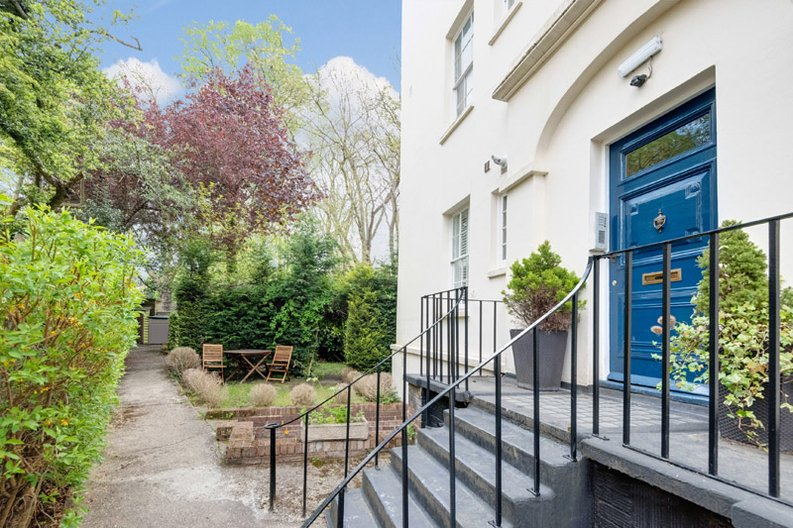 1 bedroom(s) apartment to sale in South End Road, Hampstead, London-image 1