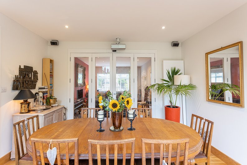 4 bedroom(s) house to sale in Hale Lane, Mill Hill, London-image 47