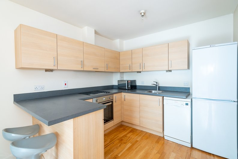 1 bedroom(s) apartment to sale in Arctic House, Heritage Avenue, Beaufort Park, Colindale-image 5
