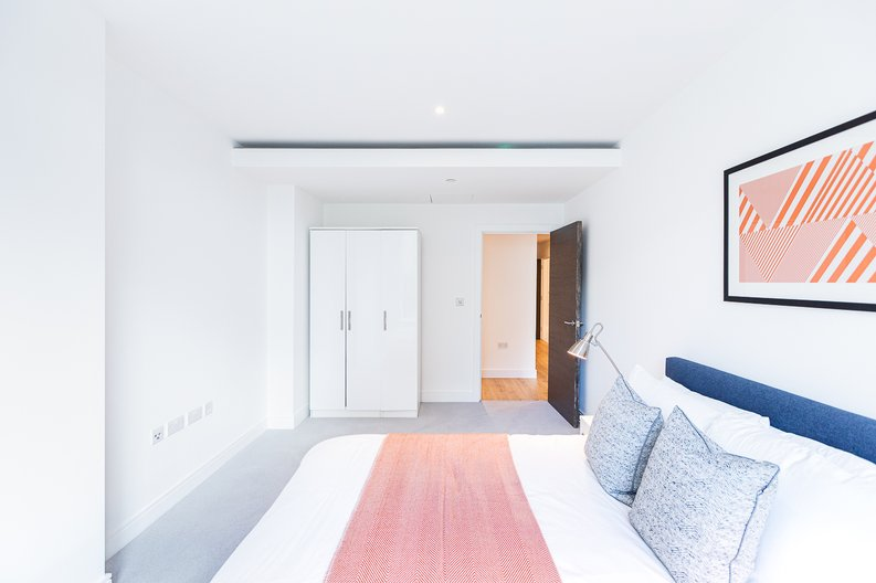 2 bedroom(s) apartment to sale in Marquis House, Sovereign Court, Hammersmith-image 27