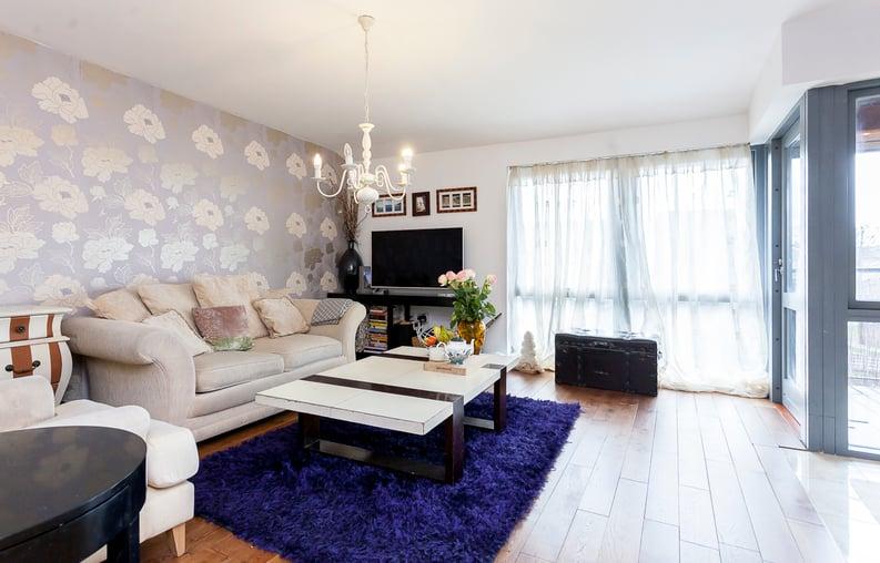 1 bedroom(s) apartment to sale in Martlesham Walk, Colindale-image 5