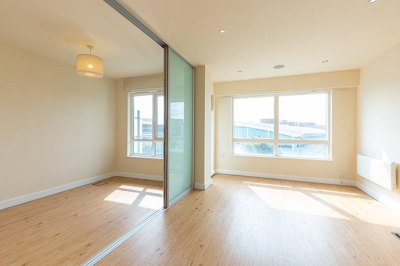 1 bedroom(s) apartment to sale in Curtiss House, Heritage Avenue, Beaufort Park , London-image 2