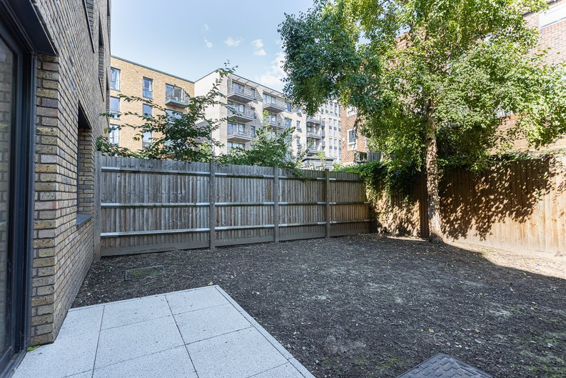 1 bedroom(s) apartment to sale in Ashton Reach, Surrey Quays, London-image 12