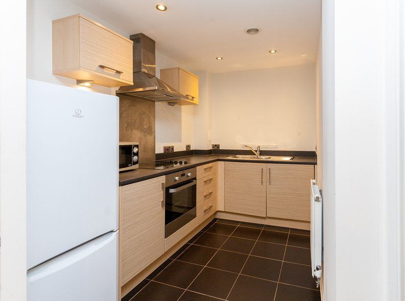 1 bedroom(s) apartment to sale in Conrad Court, 2 Needleman Close, Colindale Gardens, Colindale-image 3