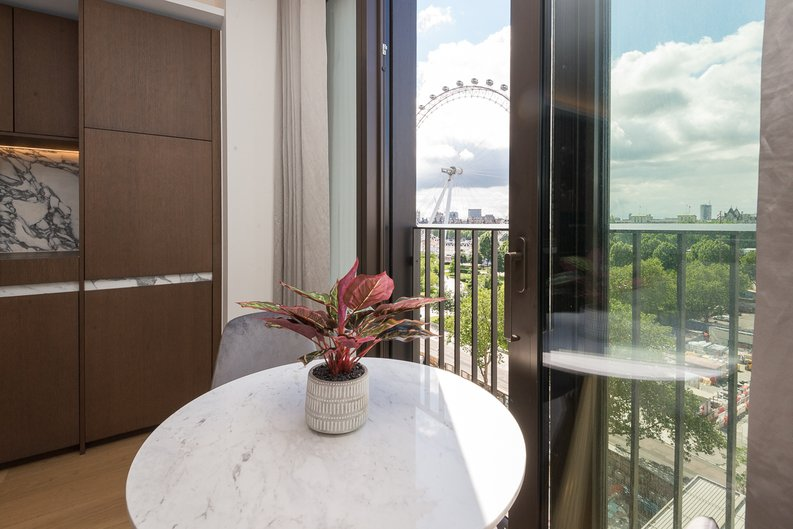 1 bedroom(s) apartment to sale in Casson Square, Southbank Place, Waterloo, London-image 10