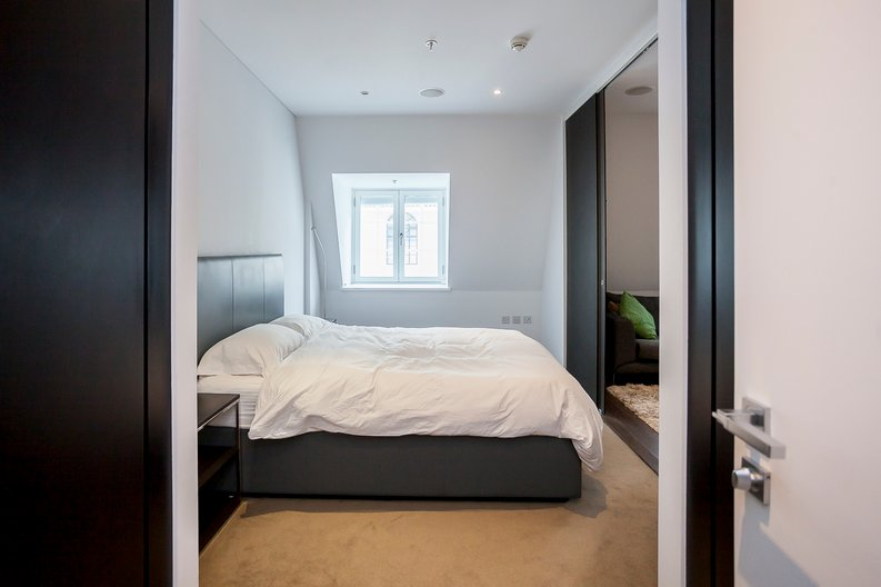 2 bedroom(s) apartment to sale in Marconi House, 335 Strand, London-image 3