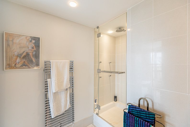 3 bedroom(s) apartment to sale in Cromwell Road, South Kensington, London-image 22
