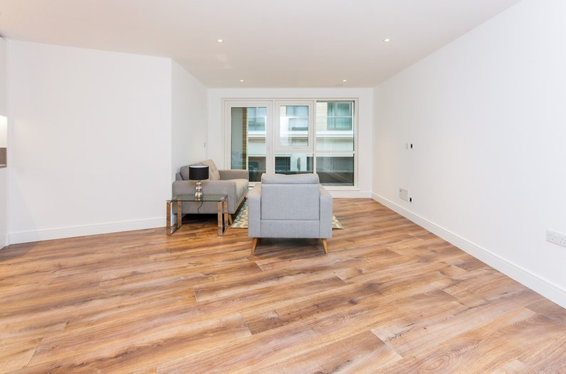 2 bedroom(s) apartment to sale in Quartz House, Dickens Yard, Ealing-image 4