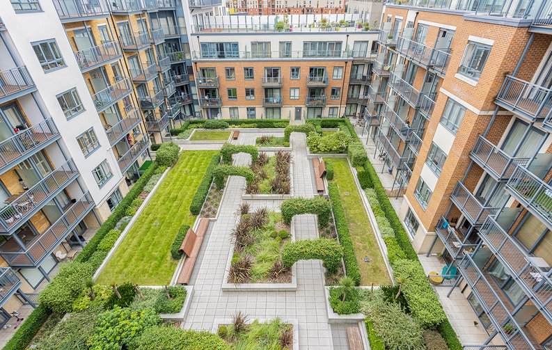 3 bedroom(s) apartment to sale in Boulevard Drive, Colindale, London-image 22