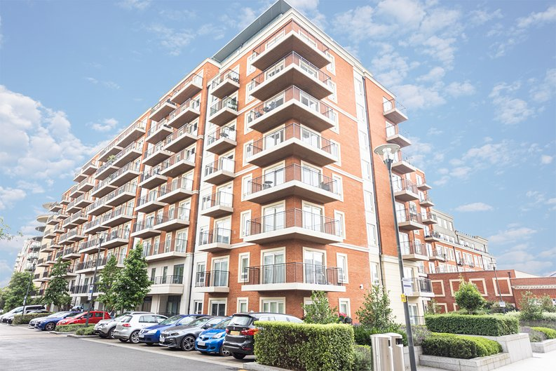1 bedroom(s) apartment to sale in Beaufort Square, Colindale, London-image 1
